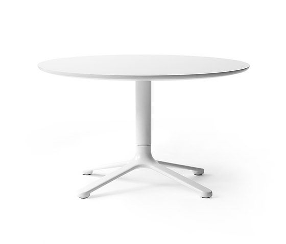 Kibisi Scoop Chair and Table