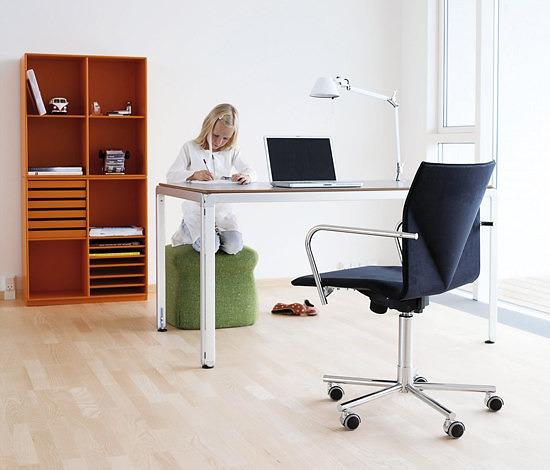Arne Jacobsen Djob Table