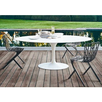 Eero Saarinen Tulip Outdoor Dining Table