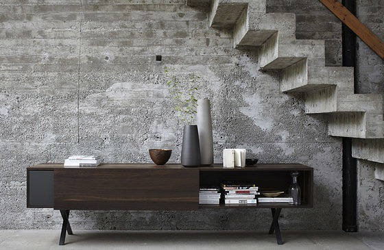 Gil Coste Lax Sideboard