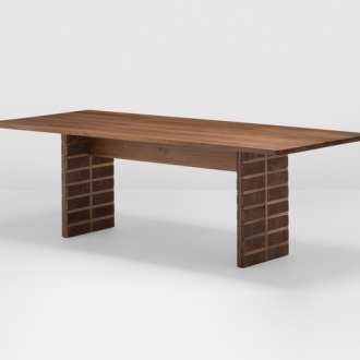 Hierve Brick Table