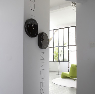Martino DEsposito Espace Temps Wall Clock