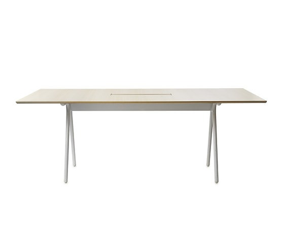 Pierre Sindre Camelot Table