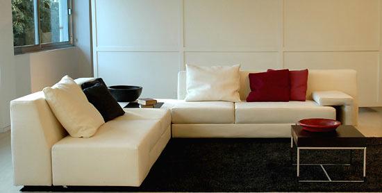 Walter Selva and Augusto Mandelli Zapping Sofa