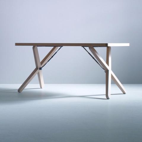 Werner Aisslinger X-Tisch Table